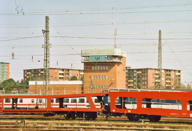 [Hamburg-Langenfelde]